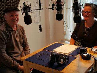 Erika Schalper mit Hans Well im Studio